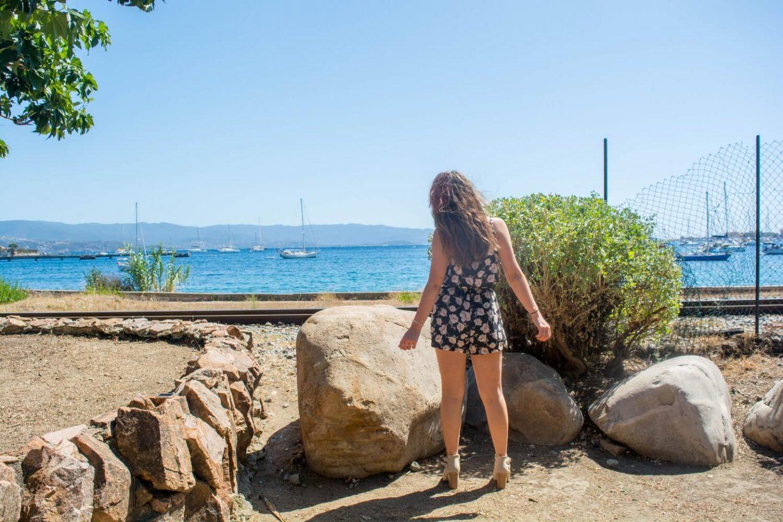 Ma combishort à fleurs accompagné de mes talons Jennyfer en Corse | happinesscoco.com