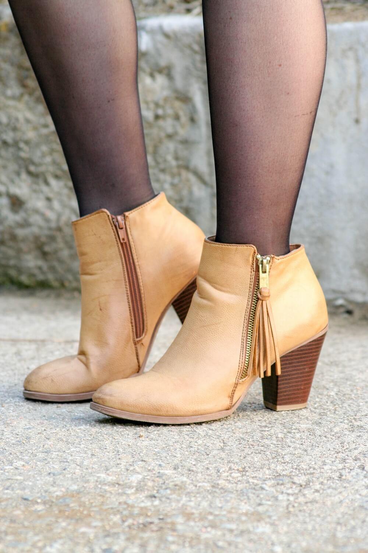Le parfait combo de la mini jupe en suédine camel de chez Pimkie et de la veste en jean oversize Pull and Bear | happinesscoco.com