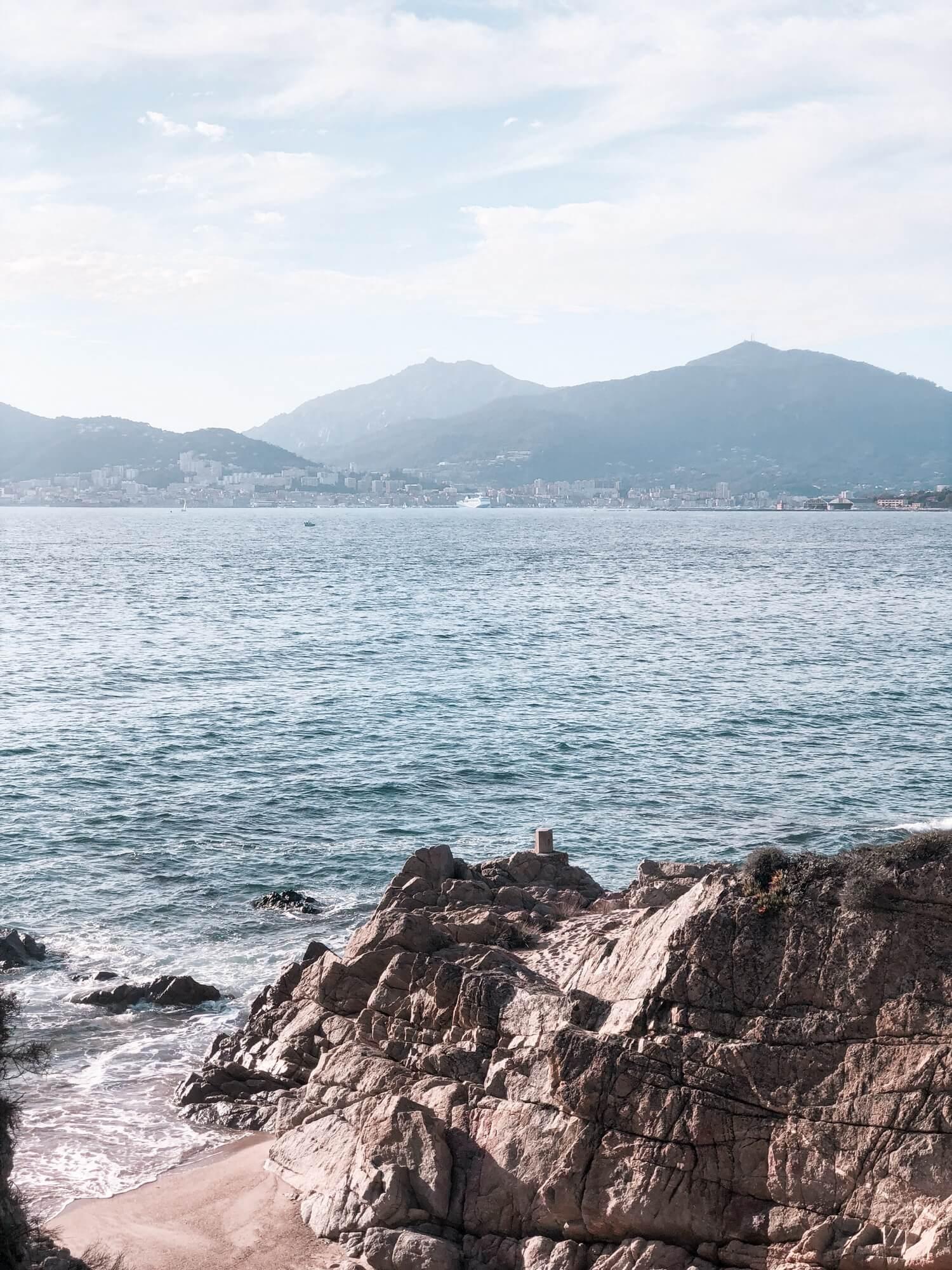Les magnifiques plages de la Corse | happinesscoco.com