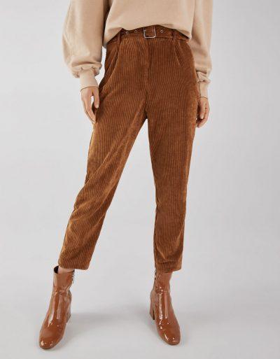 Bershka Pantalon carotte en velours côtelé avec ceinture