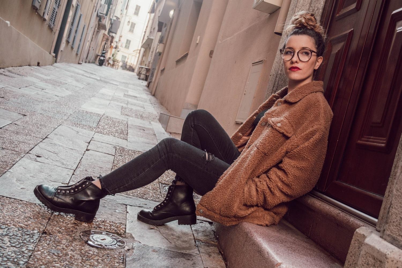 Un nouveau look est disponible sur mon blog happinesscoco.com avec mon manteau favoris en fausse peau de mouton MissGuided