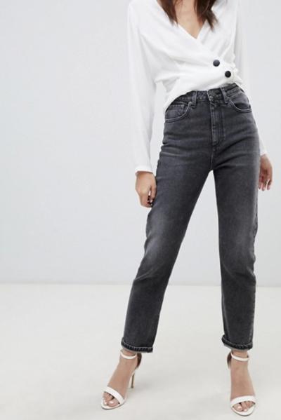 ASOS DESIGN – Farleigh – Jean mom slim taille haute – Noir délavé extrême
